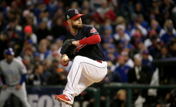 ct-indians-cubs-corey-kluber-world-series-20161026