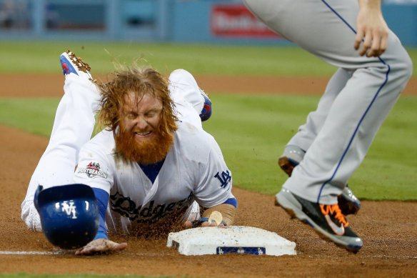 la-sp-dn-justin-turner-knee-surgery-20151111